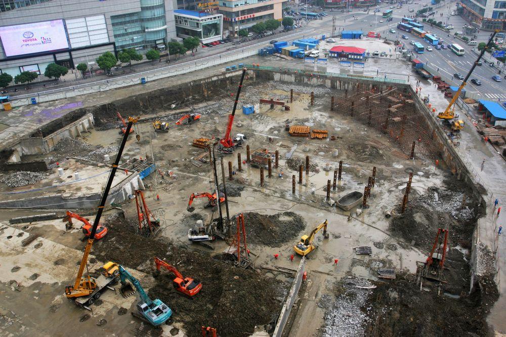 2010年5月29日11时20分的胜利门广场地铁工地。.jpg