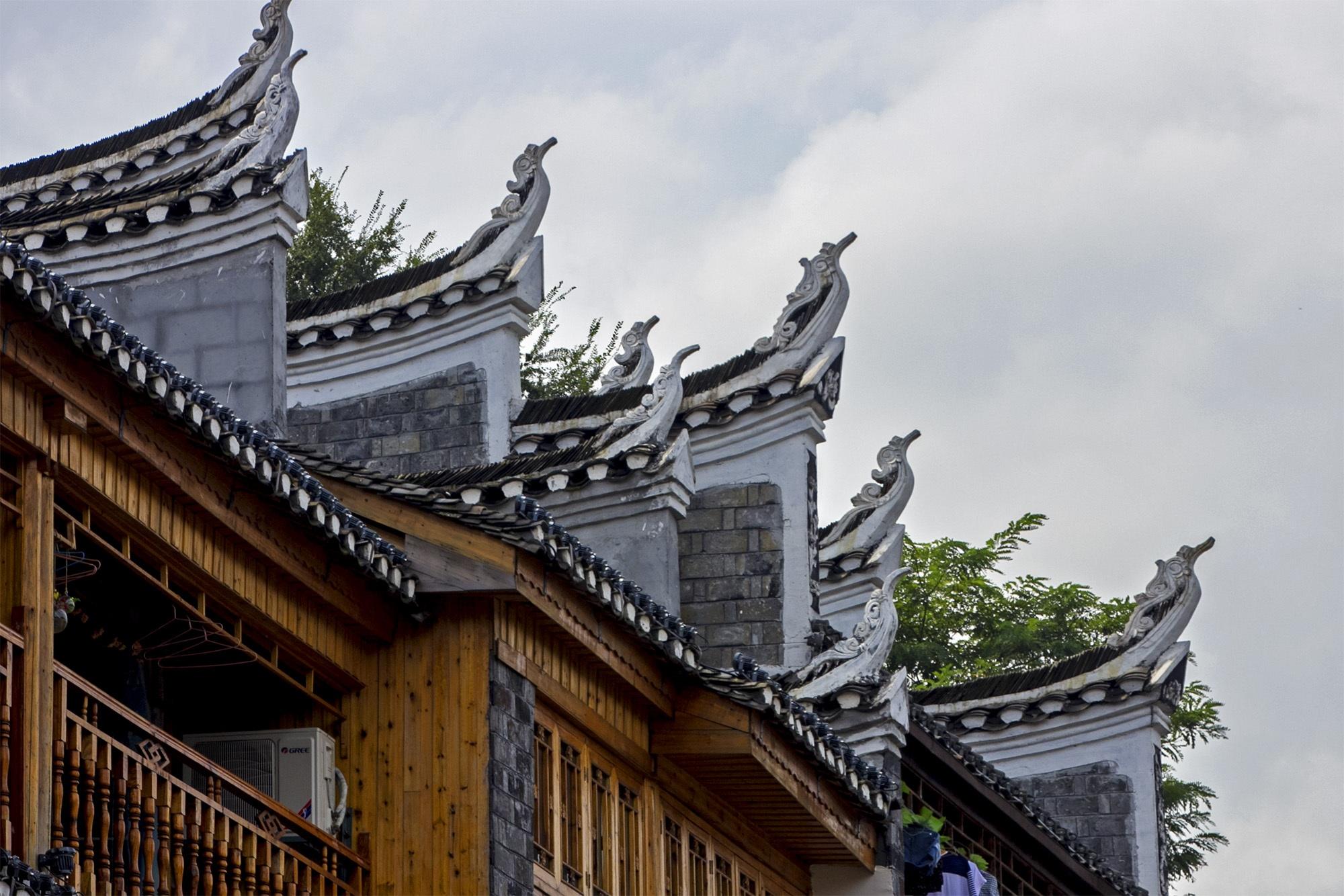 凤凰古城的徽式建筑图片