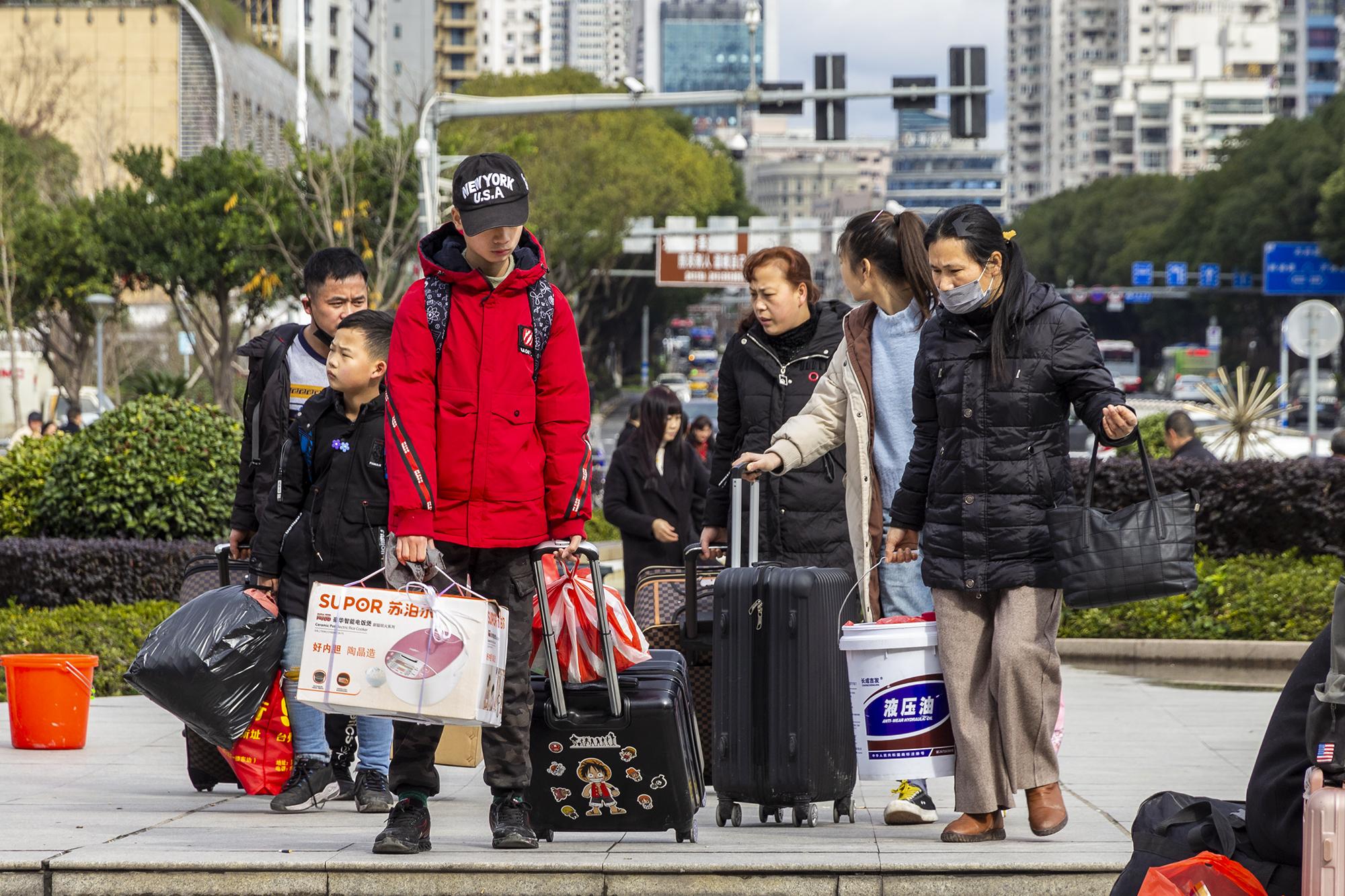 火车站拍春运_(29).jpg