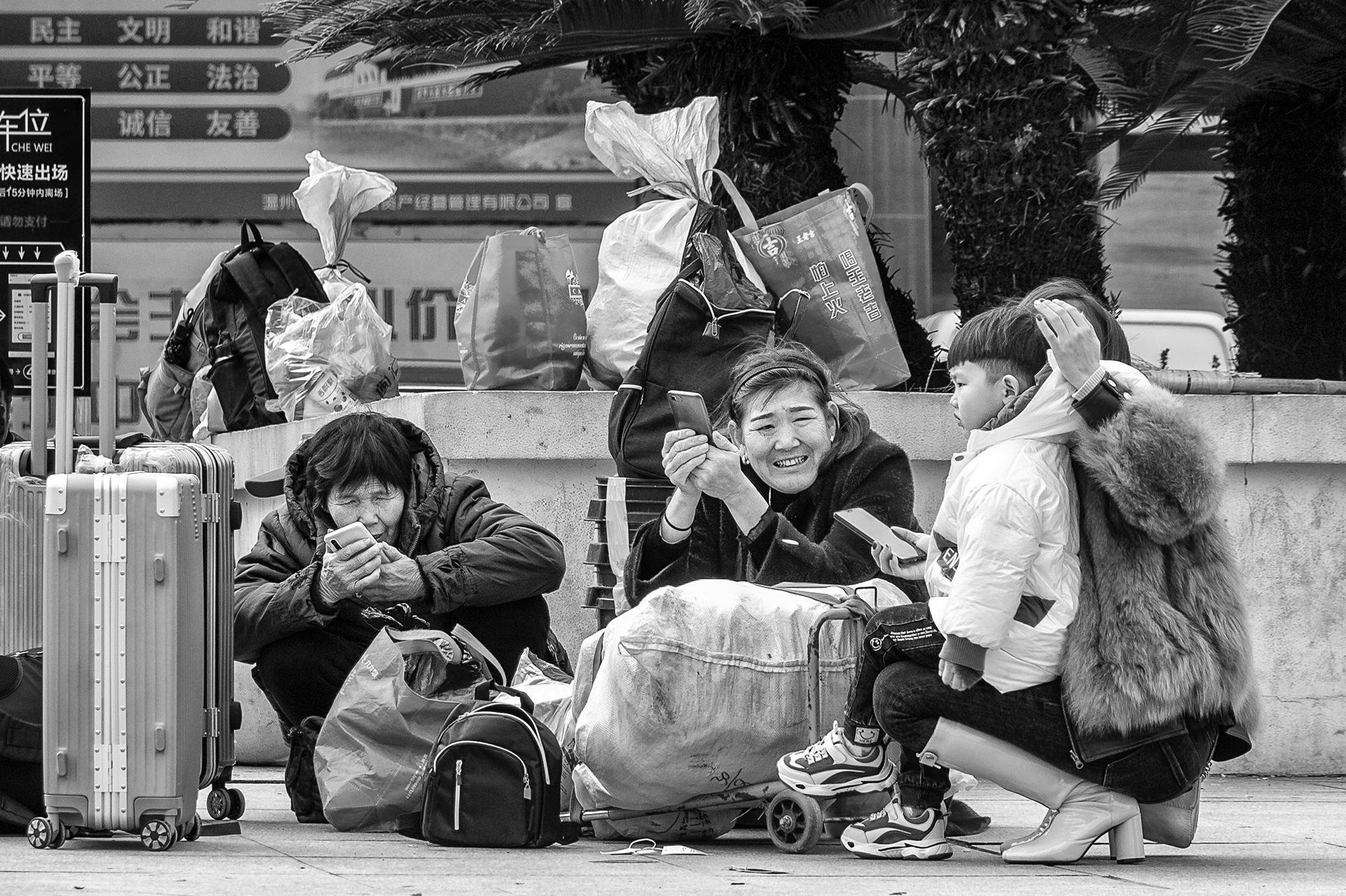 火车站拍春运_(11)b.jpg